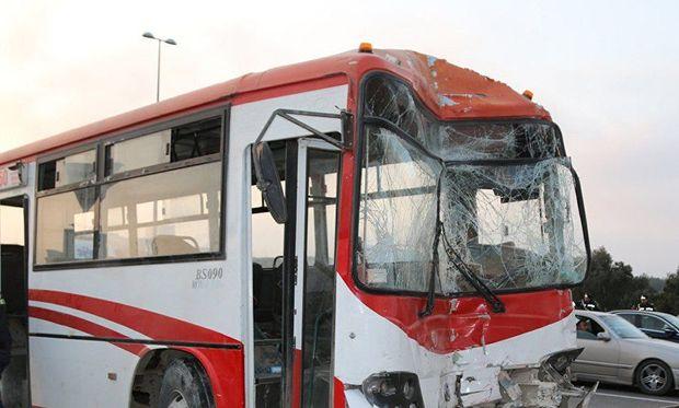 Bakıda iki avtobus toqquşdu: Ölən var