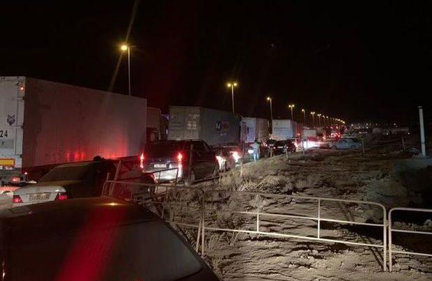 Bakıdan rayonlara böyük axın, səkkiz saatlıq tıxac: Sürücülər torpaq yollarda – FOTO