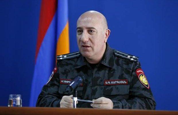 Yerevanda növbəti istefa: Polis rəisi ərizəsini təqdim etdi