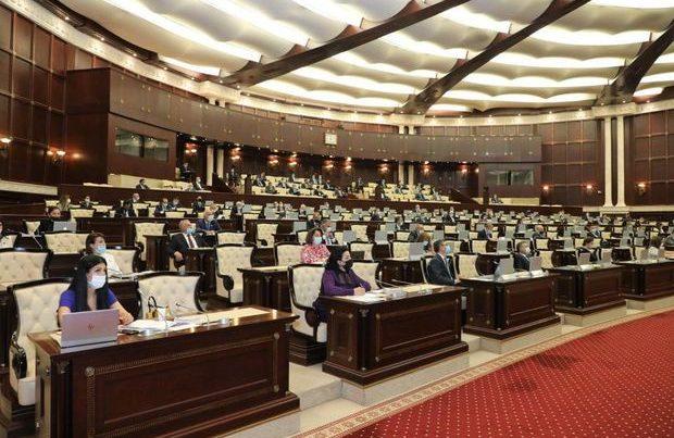 Parlamentin iclası təxirə salındı