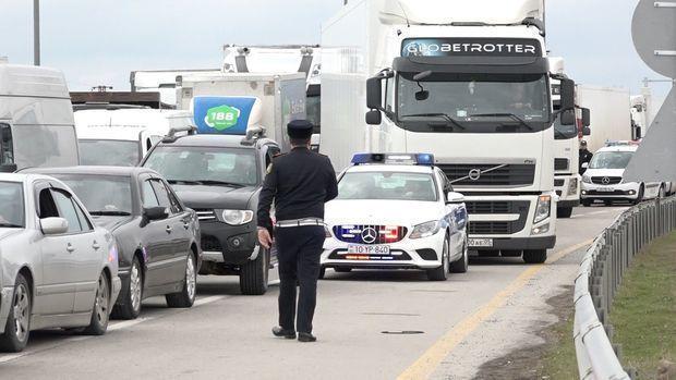 Bakı postlarından yüzlərlə avtomobil geri qaytarıldı – RƏSMİ