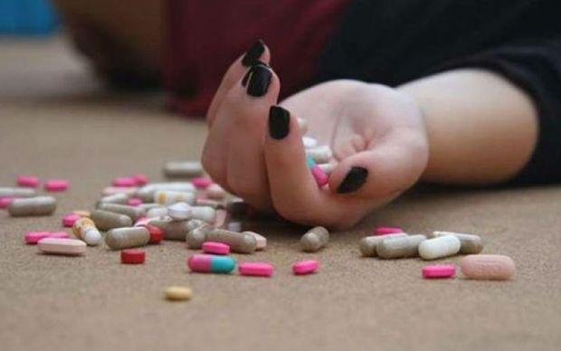 Bakıda 21 yaşlı qız psixotrop dərman içib öldü