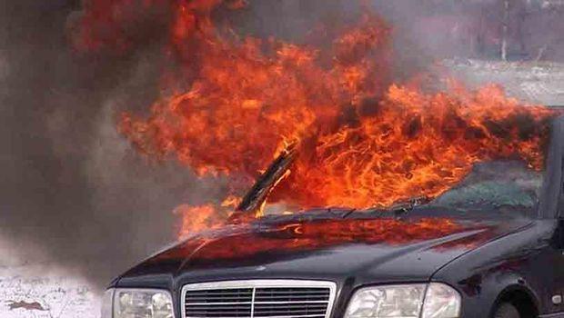 """Bakıda """"Mercedes"""" yandı"""