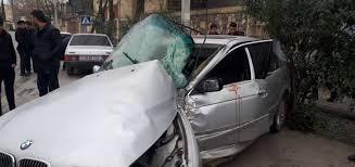 Bakıda ağır qəza: Avtomobillərdən biri dövlət idarəsinin binasına çırpıldı – FOTO