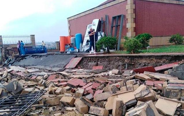 Yağış xəstəxananın hasarını uçurdu – Fotolar