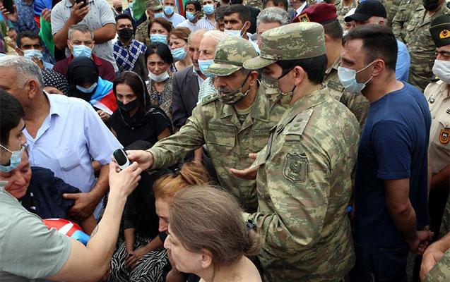 Prezident şəhid general və polkovnikin ailəsinə zəng etdi – Foto