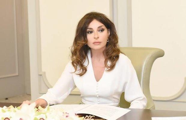 Mehriban Əliyeva Azərbaycan xalqını təbrik etdi – FOTO