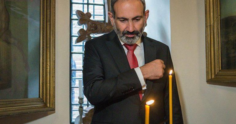 Erməni diasporu Paşinyanın istefasını TƏLƏB EDİR