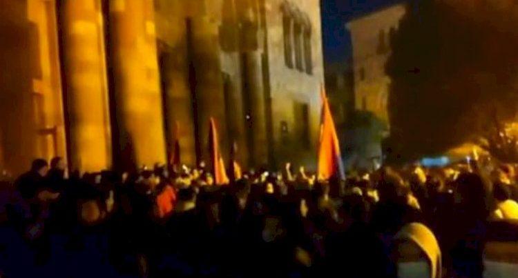 Yerevanda dövlət çevrilişi baş verir  -Video