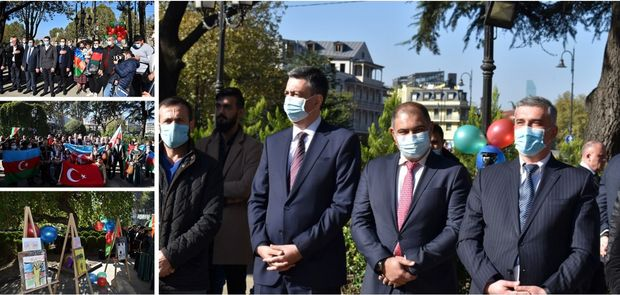 Gürcüstanda Azərbaycanın Dövlət Bayrağı Günü və Şuşanın azad olunması qeyd edildi