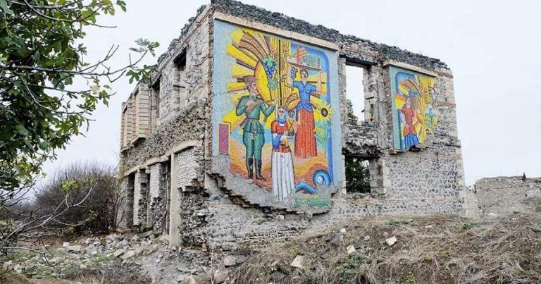 Ağdamda bütün binalar dağıdılıb, tarixi-mədəni abidələr məhv edilib –Fotolar