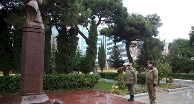 Azərbaycan ordusu Heydər Əliyevi vəfatının ildönümündə yad etdi – Fotolar