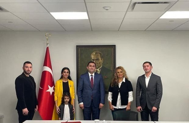 Azərbaycanlı icma üzvləri Türkiyəli diplomatla görüşüb