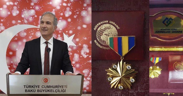 """Türkiyə səfirliyinin mətbuat müşaviri """"Qızıl medal"""" la təltif edilib"""