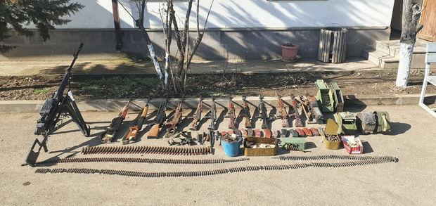 Xocavənddə Ermənistan ordusunun atıb qaçdığı silah-sursat aşkar edildi