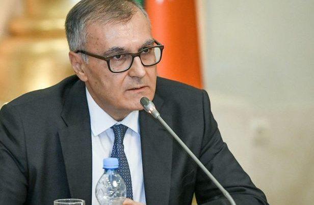 """Fuad Axundov: """"Ermənistan açıq səma altında vandalizm """"muzeyi""""dir"""""""