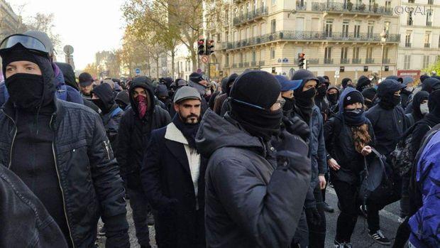 Paris küçələrində yeni etiraz dalğası