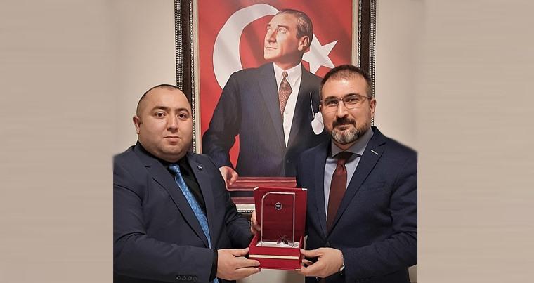 """Hikmət Ərənə """"Qardaş Təşəkkürü"""" Plaketi təqdim edildi- FOTO"""