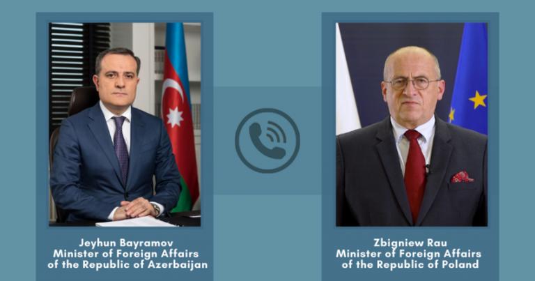 Azərbaycan və Polşa XİN başçıları telefonla danışıb