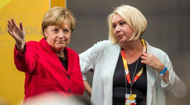 Bundestaqın deputatı Karin Ştrents təyyarədə vəfat etdi