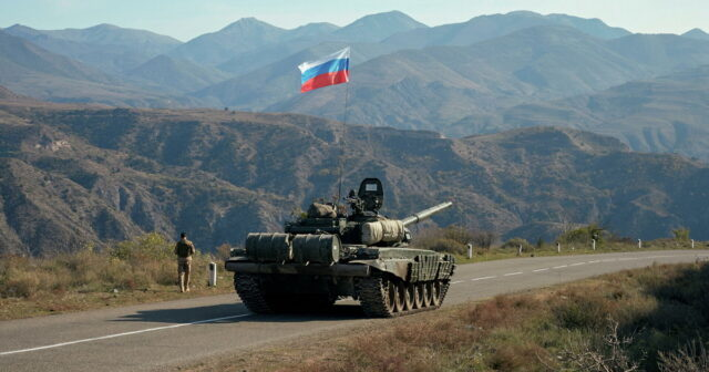Rusiya Qafqazdakı ordu bölmələrini Krıma göndərdi