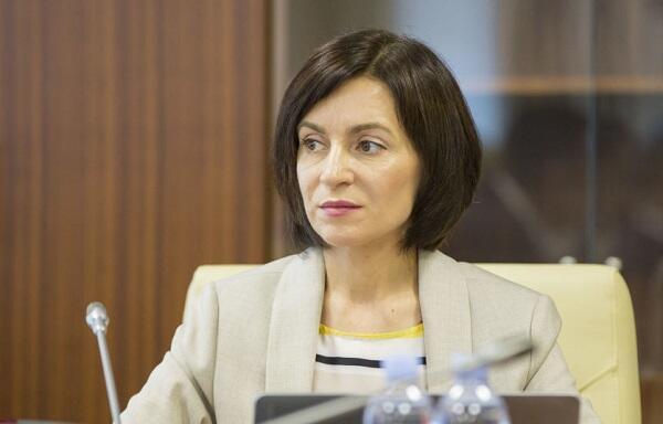Moldova prezidenti parlamenti buraxdı