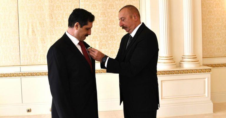 Erkan Özoral təltif edildi – FOTO