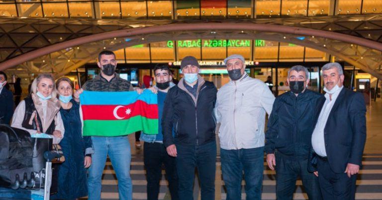 Türkiyədə müalicə alan 2 qazimiz sağalaraq Vətənə geri döndü –FOTO