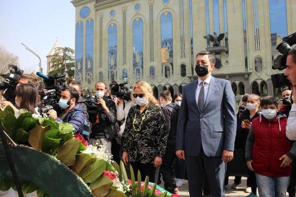 Səfir Faiq Quliyev 9 Aprel qurbanlarının xatirəsini yad edib