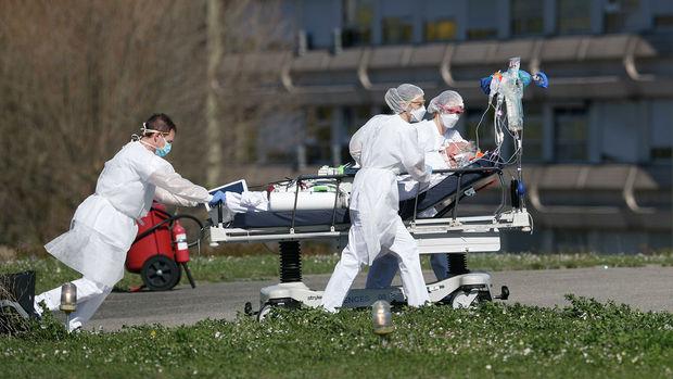 Fransada xəstəxana qarşısında atışma: Ölən və yaralanan var – FOTO
