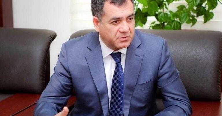 """Qüdrət Həsənquliyev həmkarına irad tutub: """"Deputatla dövlət qulluqçusunun funksiyalarını bilmir"""""""