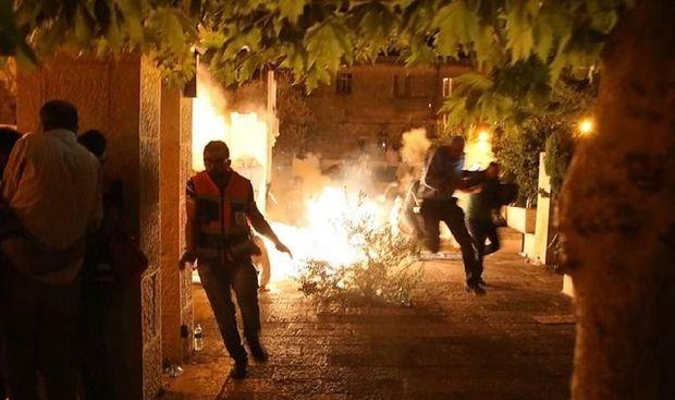 İsrail polisi ilə fələstinli gənclər arasında qarşıdurma: Yüzlərlə yaralı var