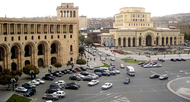 Ermənistanda ara qarışdı – Məmurlar güllələndi