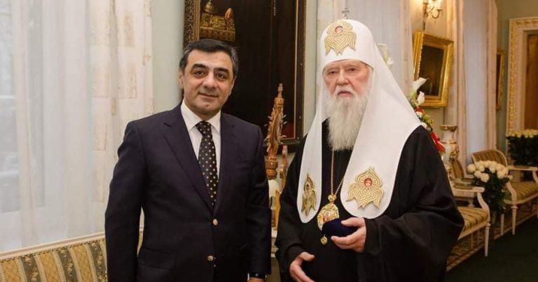 Elmar Məmmədovdan Pasxa bayramı təbriki