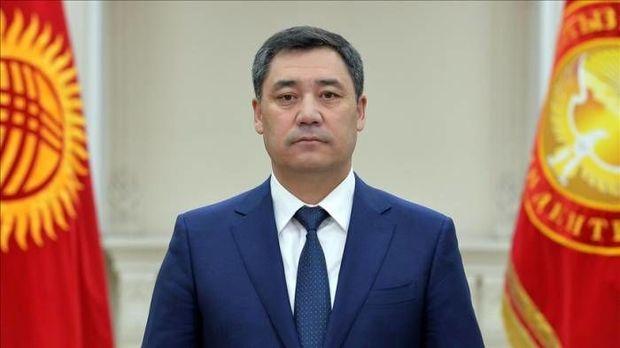 Qırğızıstan prezidenti səlahiyyətlərini genişləndirən konstitusiyanı imzaladı